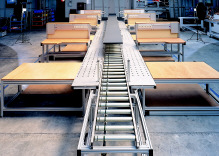 Workstation conveyor